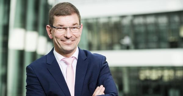 Audi sắp bổ nhiệm tài năng từ đối thủ BMW làm tân CEO
