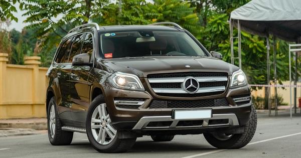 """Cần xe nhỏ đi Tết, chủ xe bán lại """"khủng long"""" Mercedes-Benz GL giá rẻ kèm quảng cáo: """"Không cần quá lo về nhiên liệu"""""""