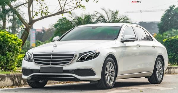 """Bán Mercedes-Benz E 200 sau 3 năm giữ gìn, nữ chủ xe than thở: """"Thiệt hại cả nửa tỉ đồng"""""""