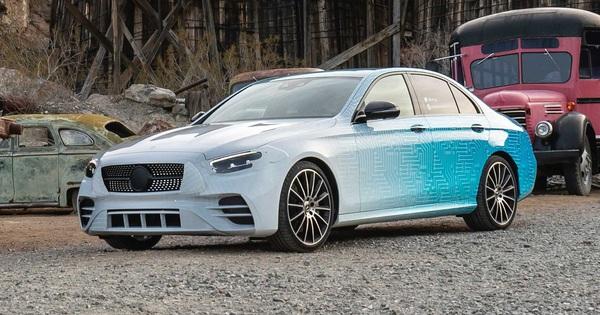 Nhá hàng Mercedes-Benz E-Class mới sẽ ra mắt ngay trong năm nay: Quá nhiều thay đổi trong thiết kế
