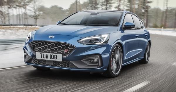 """Ford Focus RS dời ngày ra mắt, buộc phải đưa ra thay đổi lớn để tránh """"theo vết xe đổ"""" Focus thường"""