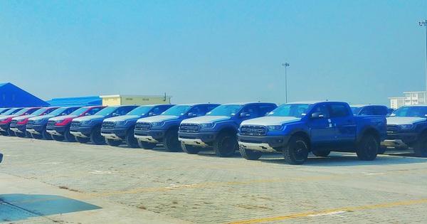 Lô hàng Ford Ranger Raptor 2020 đầu tiên về Việt Nam: Thêm phanh tự động, cảnh báo va chạm, hỗ trợ giữ làn đường
