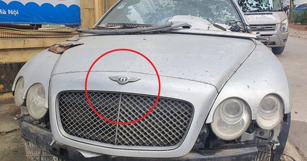 Siêu phẩm một thời Bentley Continental xuất hiện trên phố Hà Nội trong tình trạng vỡ nát, vài chi tiết còn sót lại gây ngạc nhiên