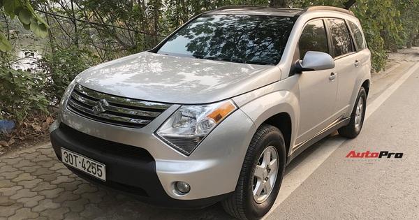Hàng hiếm Suzuki XL7 bán lại giá ngang Kia Morning tại Việt Nam: SUV 7 chỗ to như Ford Explorer, nhiều trang bị hiện đại, nhập Canada