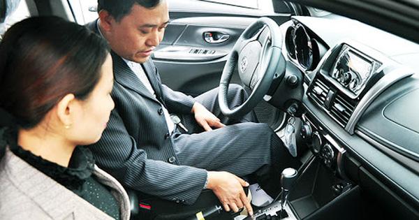 Học phí tăng sốc từng tuần, giới trẻ nháo nhác đăng ký thi bằng lái ô tô: Em cần bằng cho rẻ đã rồi tính sau