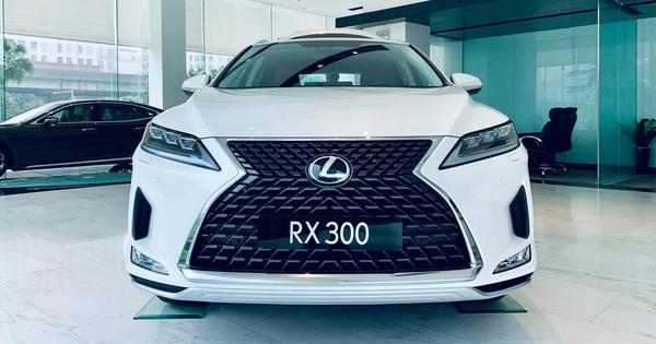 Chi tiết Lexus RX300 2020 đầu tiên về Việt Nam – SUV hạng sang cỡ trung giá 3,18 tỷ đồng đối đầu Mercedes GLE và BMW X5