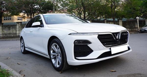 Giá xe VinFast Lux A2.0 chạy lướt hạ nhiệt, xe mới mua 3 tháng bán rẻ ngang Toyota Altis 2020