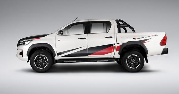 Toyota Hilux mới lộ diện với động cơ 2.8L còn mạnh hơn trước, đe dọa Ford Ranger