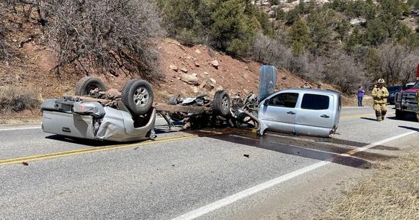 Xe Toyota biến thành 3 mảnh sau vụ tai nạn khủng khiếp