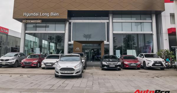 Nhiều đại lý ô tô tại Hà Nội vẫn kiên trì hoạt động dù vắng vẻ khách hàng