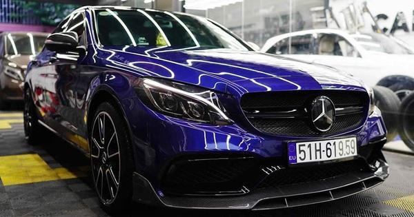 """Mercedes-Benz C 250 độ phiên bản C 63 AMG bán lại giá chỉ ngang """"đàn em"""" C 180 mới ra mắt"""