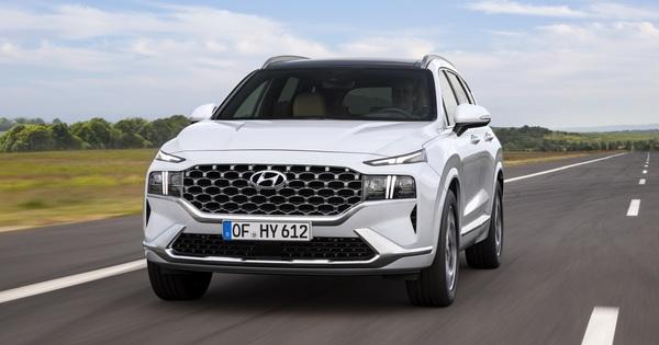 Hyundai Santa Fe 2021 lộ diện: Lột xác ngoại hình, nội thất học hỏi Palisade, sức ép lớn cho Mazda CX-8