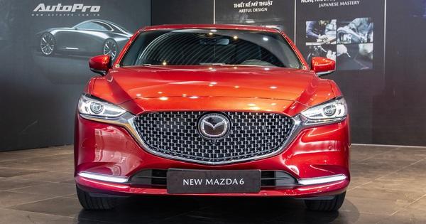 """Mazda6 2020 chốt giá rẻ nhất 889 triệu đồng: Giẫm chân """"đàn em"""" Mazda3, hưởng chính sách giảm 50% phí trước bạ"""