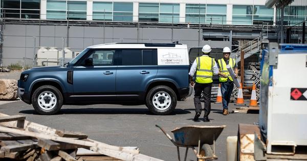 Land Rover Defender Hard Top – Vua địa hình làm dịch vụ
