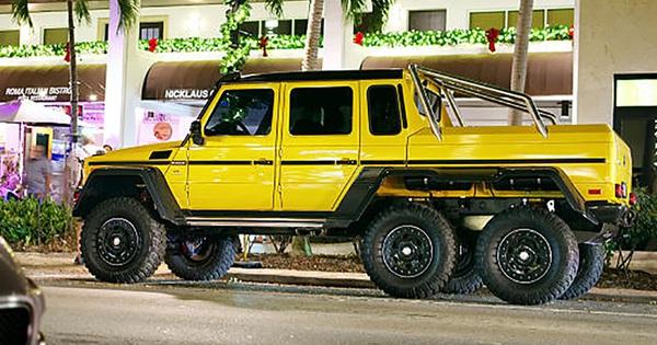 Mercedes-Benz G63 AMG 6×6 đầu tiên Việt Nam lăn bánh ra phố: Kích thước khổng lồ, biển số gây chú ý