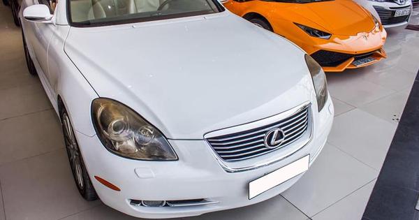 """12 năm tuổi, xe chơi Lexus SC430 vẫn có giá đắt hơn Mercedes-Benz C-Class 2020 """"đập hộp"""""""