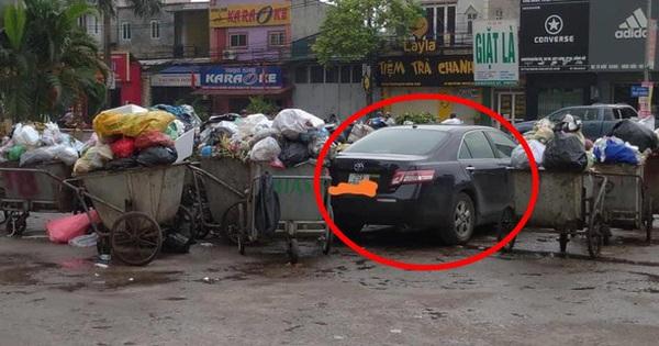 Đỗ xe ở bãi đất trống, chủ ô tô choáng váng với cảnh tượng khó giải quyết sau một đêm