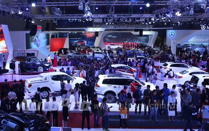 Toàn cảnh triển lãm ô tô lớn nhất Việt Nam trong năm 2014