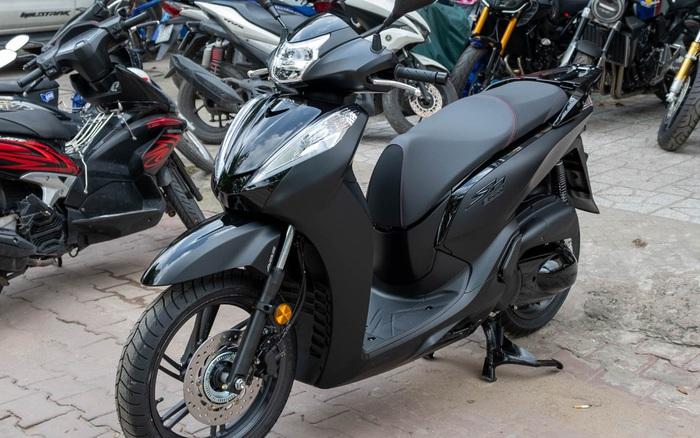 Honda SH300i Total Black 2020 đầu tiên về Việt Nam: Nhập Ý, giá trên dưới 300 triệu đồng