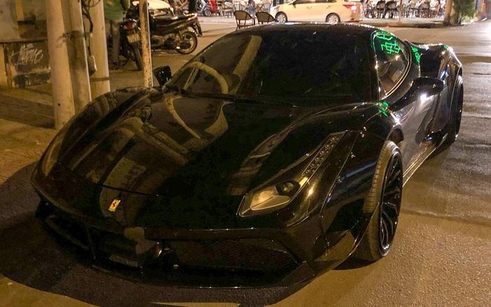 Chán decal, Ferrari 488 GTB độ Liberty Walk độc nhất Việt Nam trở về màu nguyên bản, một chi tiết được gỡ bỏ