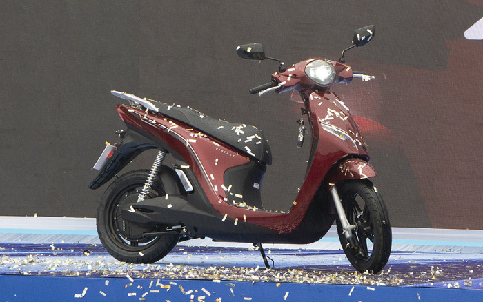 Ra mắt VinFast Feliz: Xe điện nhỏ gọn thời trang, sạc một lần đi 90 km, cạnh tranh Honda Vision