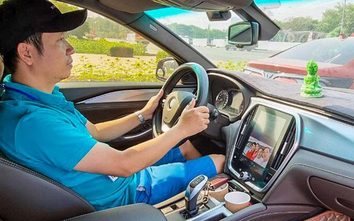 Đổi từ Toyota Vios và Honda CR-V sang VinFast Lux A2.0, người dùng đánh giá: 'Được vận hành nhưng kém hoàn thiện'